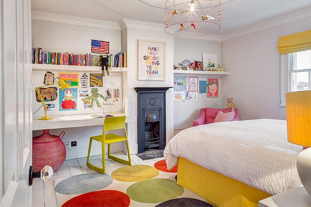 Birdcage-chandelier-and-groovy-rug-for-the-kids-room.jpg