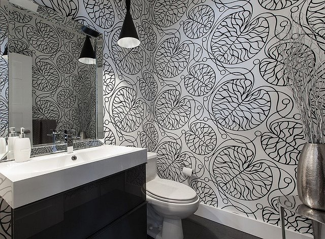 Black-and-white-Marimekko-patterned-wallpaper-for-the-contemporary-bathroom.jpg