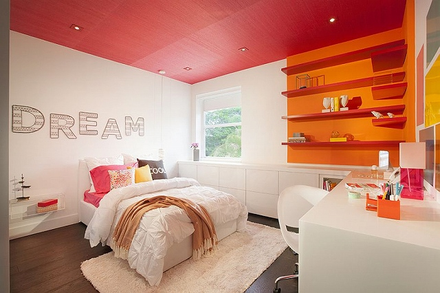 Color-blocking-with-pink-and-orange-in-style.jpg