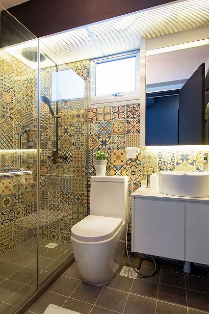 Colorful-tiless-give-the-modern-bathroom-a-playful-appeal.jpg