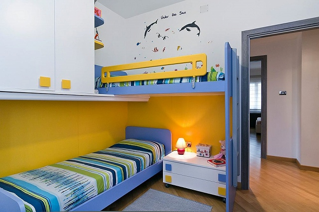 Contemporary-kids-room-with-space-saving-bunk-beds-and-ample-storage-space_20161030164148a34.jpg