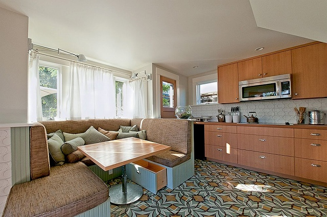 Contemporary-kitchen-with-a-cozy-custom-banquette.jpg