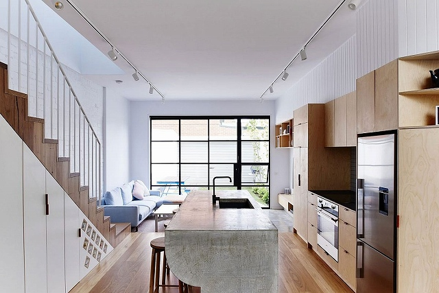 Cool-kitchen-island-stands-out-from-the-usual.jpg