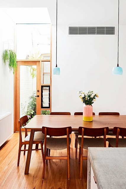 Dining-area-inside-the-renovated-terrace-house-in-Fitzroy-North.jpg