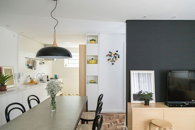 Dining-room-and-modern-kitchen-of-small-apartment-in-Brazil.jpg