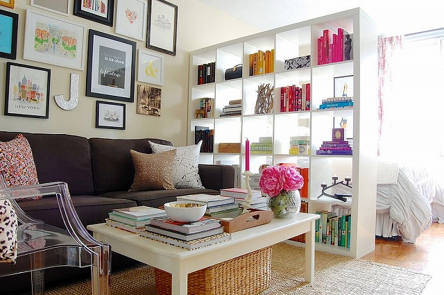Expedit-bookshelf-from-IKEA-used-as-a-room-divider-in-the-shabby-chic-home.jpg