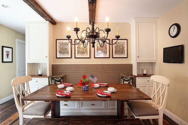 Farmhouse-and-traditional-styles-rolled-into-one-inside-this-lovely-kitchen.jpg