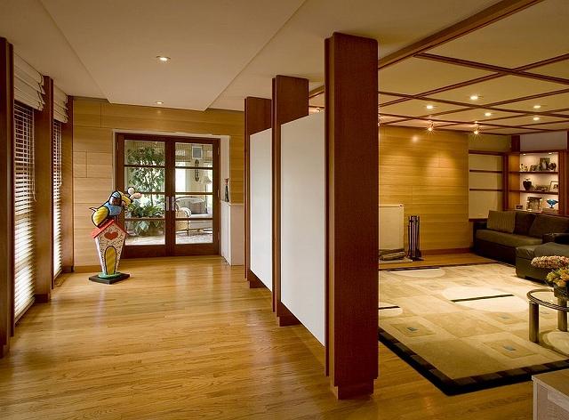 Hallway-separated-from-the-media-room-using-simple-screens.jpg