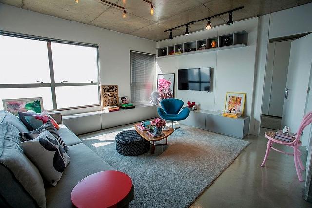 Living-room-of-the-modest-single-bedroom-apartment-in-Brazil.jpg