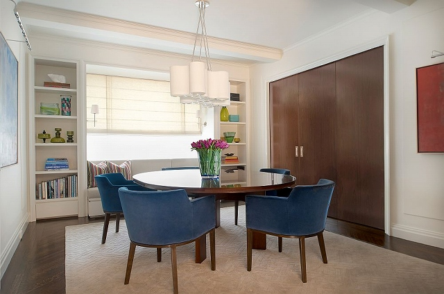 Mahogany-sliding-wall-separates-the-kitchen-and-dining.jpg