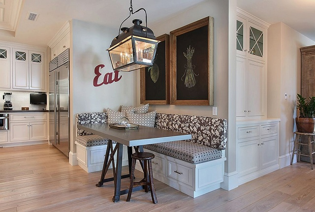 Make-use-of-that-awkward-corner-in-the-kitchen-with-a-banquette_20160913063043e3a.jpg