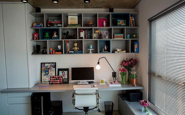 Modern-home-office-with-open-bookshelf-above-workstation.jpg