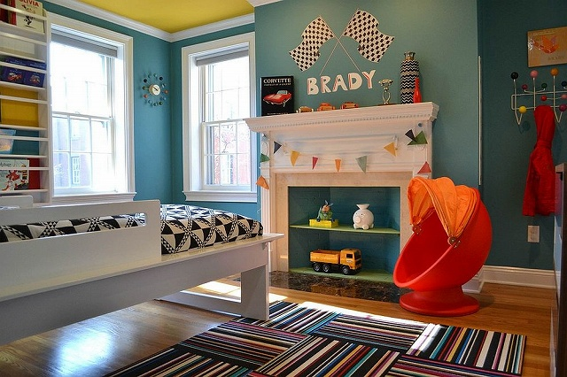 Shades-of-blue-coupled-with-yellow-and-red-in-the-chic-kids-bedroom_201610301615451e5.jpg