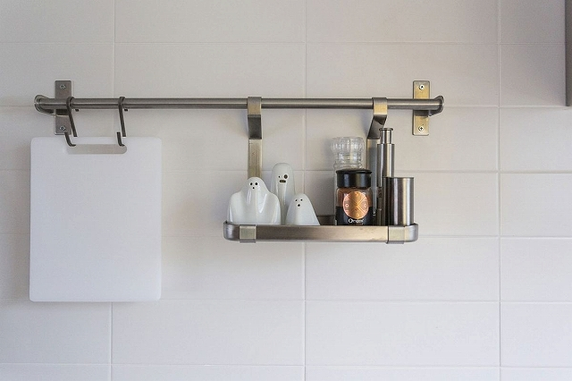 Smart-kitchen-shelving-idea-that-saves-up-on-space.jpg