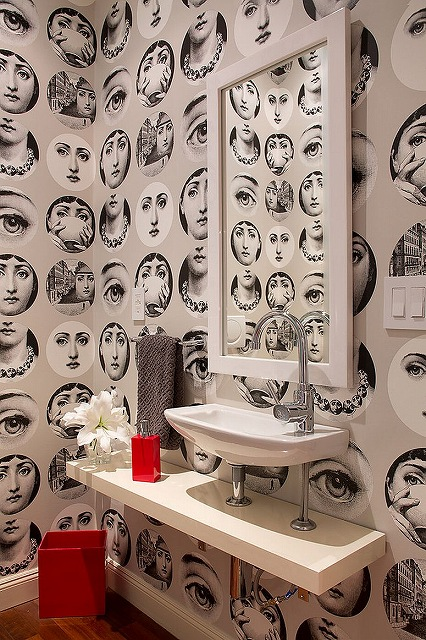 Strikingly-beautiful-wallpaper-for-the-eclectic-powder-room.jpg