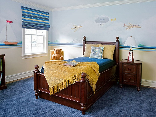 Yellow-accents-add-brightness-to-kids-bedroom-in-blue_20161030161618b1a.jpg