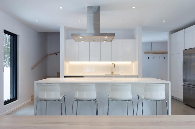 contemporary-wood-villa-8.jpg