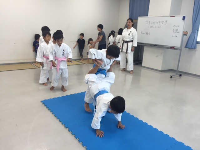 okinawa_karate_kyudokan2016025003.jpg
