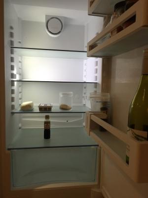 冷蔵庫、再度、空