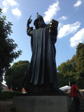 Statue of Grgur Ninski1