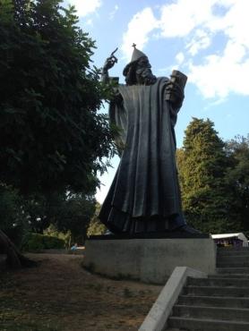 Statue of Grgur Ninski2