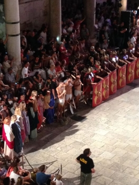 gladiatorfights1.jpg