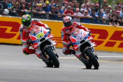 29-andrea-iannone-ita__gp_2455_gallery_full_top_lg.jpg
