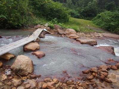 セラピー路途中の徒渉川