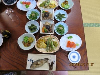 夕食の品々
