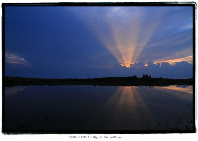 天空の池夕焼け1608iishikka0202.jpg