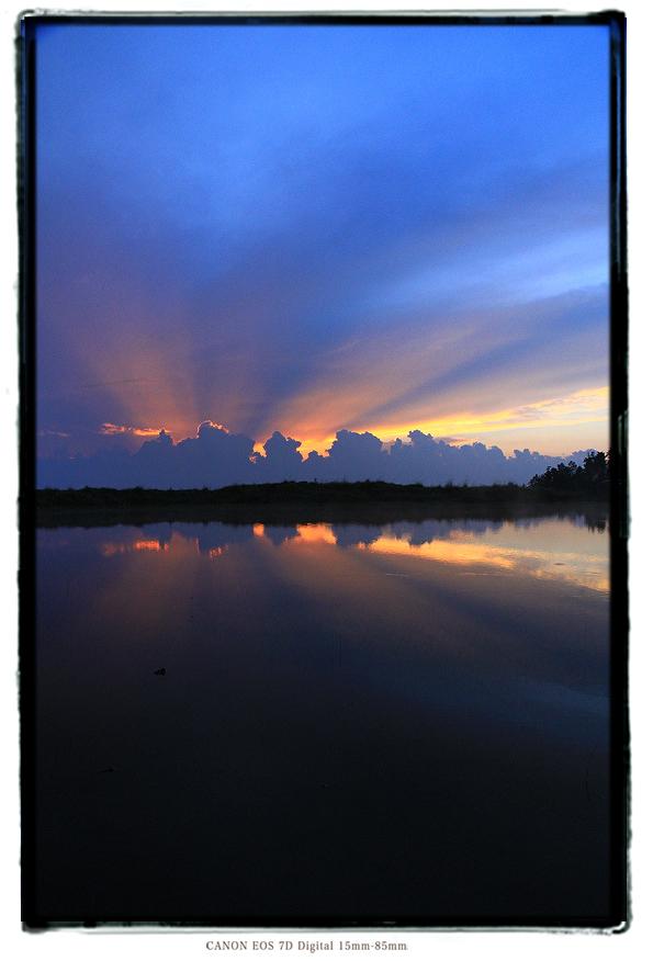 天空の池夕焼け1608iishikka0205.jpg