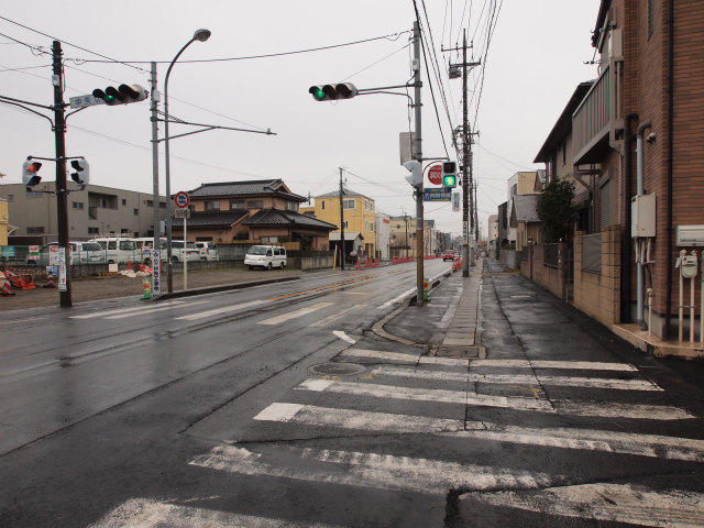 歩道など整備中の県道市川松戸線。