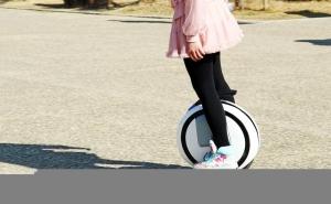 「nine bot」は絶好のクリスマスプレゼント!自動車も、自転車も、そして一輪車も電動の時代!