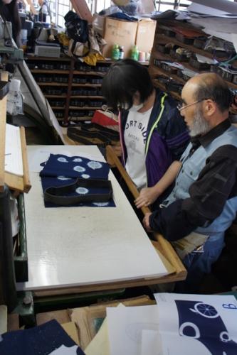 160508_藍染め足袋デザインコンテスト_足袋づくり02