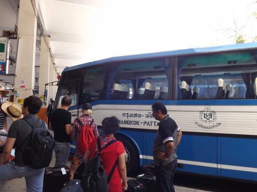 エカマイ→パタヤ バス