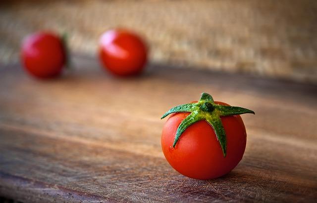 tomato-1205699_640.jpg