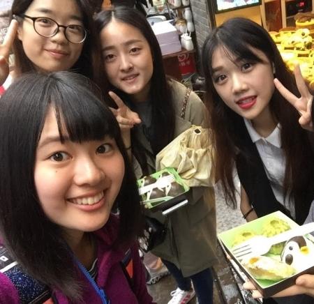 中国の女の子たちと