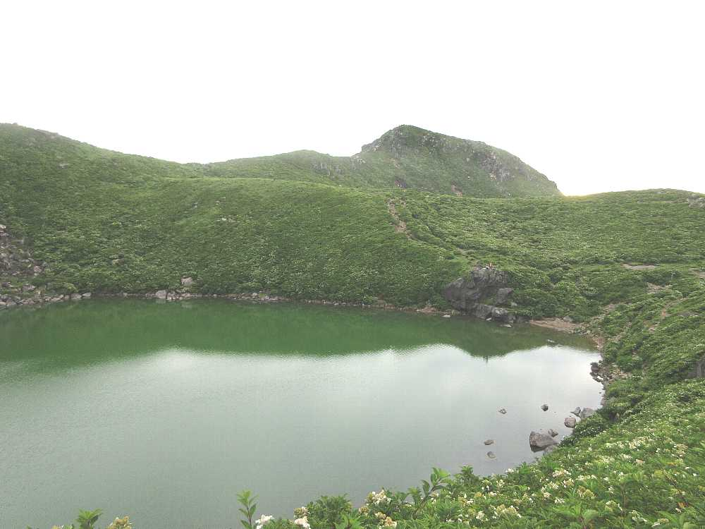 IMG4327JPG男池と中岳