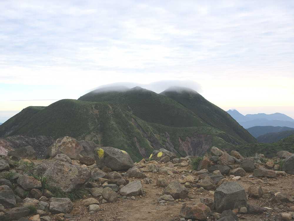 IMG4336JPG笠雲の三俣山