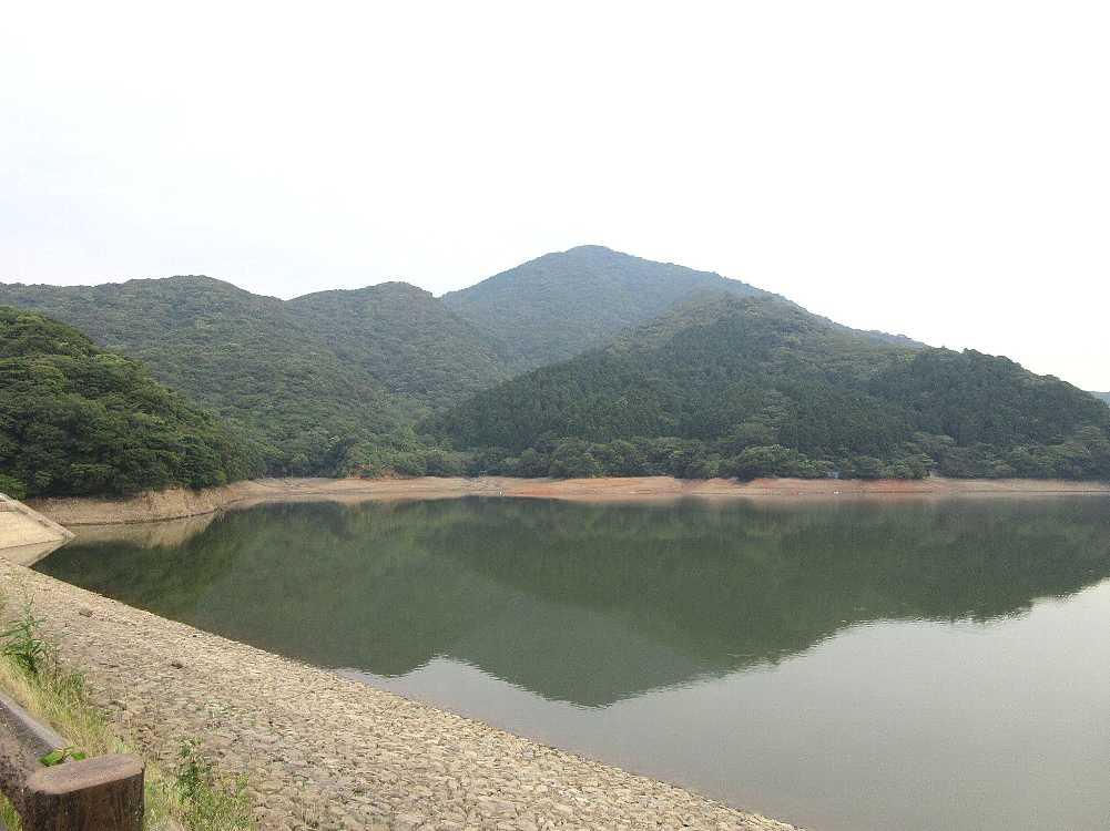 IMG4680JPG湖面に映る牝鋤崎山