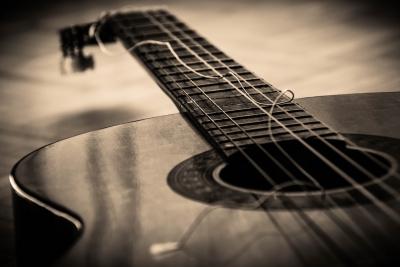 壊れたギター