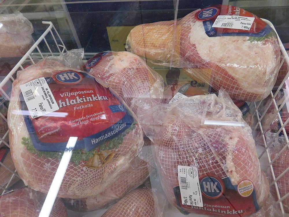フィンランド クリスマス メイン料理 ブタのもも肉塊