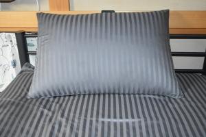 新しい部屋ベッド1