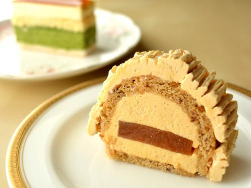 【ケーキ】イル・プルー「杏のビュッシュ」 (1)