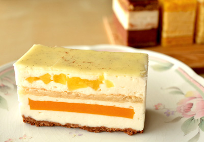 【ケーキ】茂右衛門「サンバルテルミー」 (2)