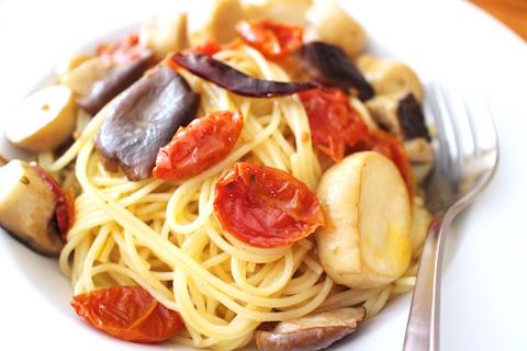 エリンギとドライトマトのペペロンチーノ