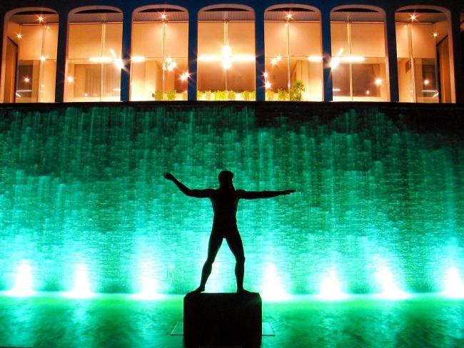 須磨離宮公園 噴水広場 ポセイドン像 ライトアップ