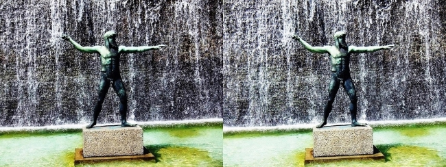 須磨離宮公園 噴水広場 ポセイドン像(平行法)