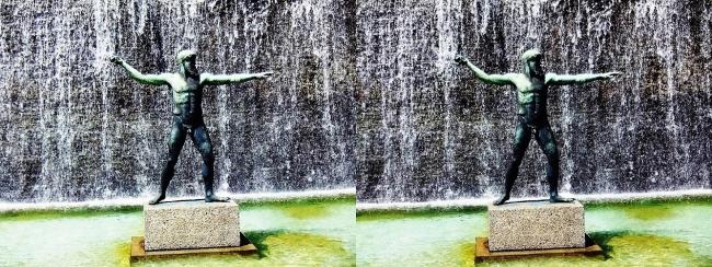 須磨離宮公園 噴水広場 ポセイドン像(交差法)