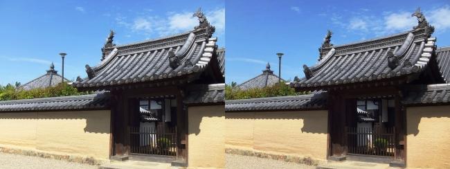 法隆寺 宝光院門と輪堂(交差法)